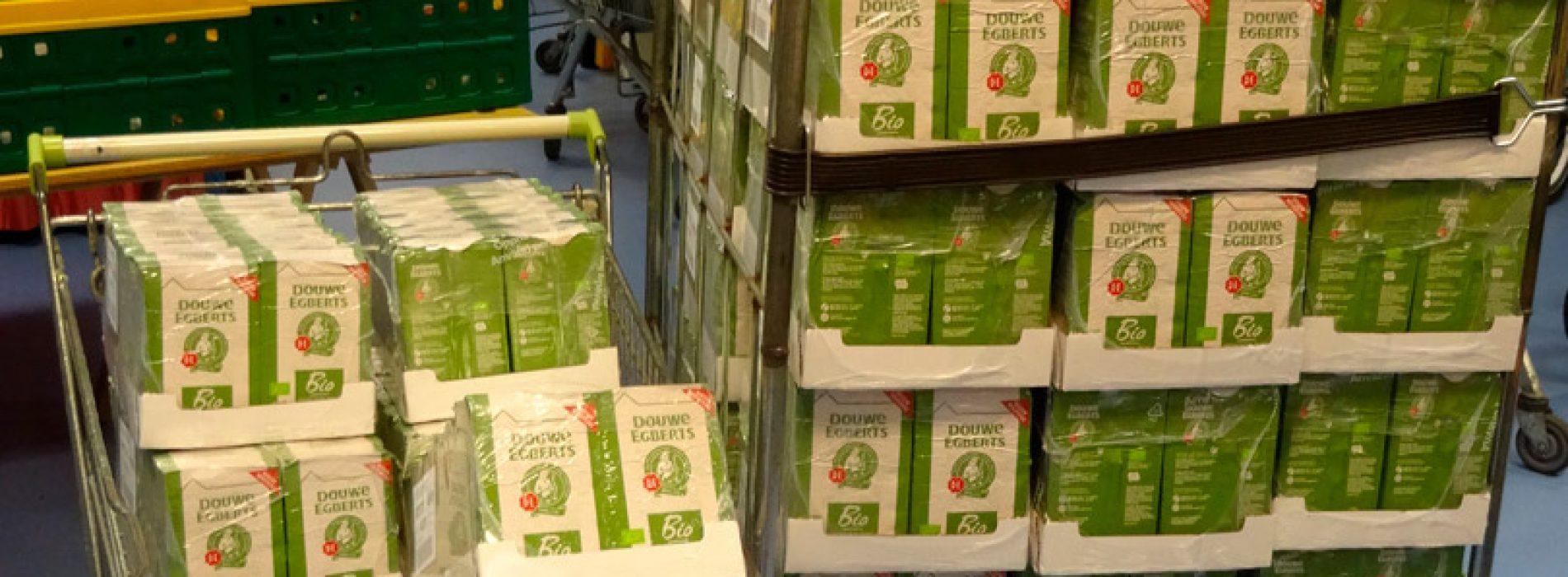 Lions Club schenkt koffie aan de voedselbank